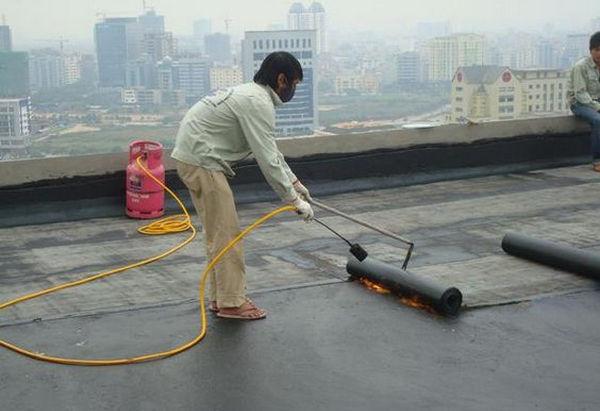 chống thấm trần nhà tại quận hà đông